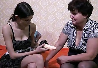 OldNanny mature lady enjoying lesbian straponHD