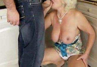 Amateur grandma is giving a footjob - 6 min