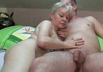 Grandma in heat needs to get off - 5 min HD