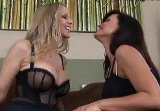 gfs-3m-lisa-ann-and-julia-ann-lesbians - 3 min