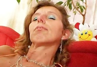 Skinny amateur mom toys hairy pussy - 5 min