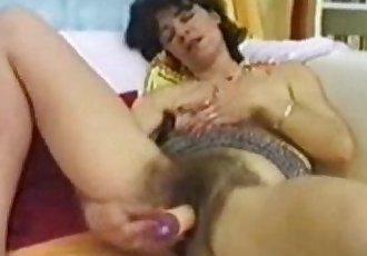 Angelika Hairy Pussy - 3 min