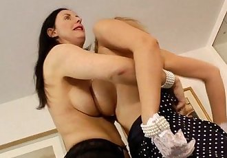 Masturbating lesbian milfs simulate phone sexHD