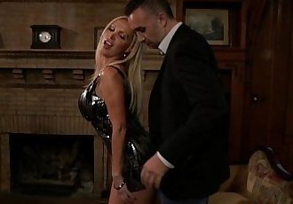Glamour squirting milf deepthroating cockHD