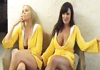 Lisa Ann and Julia Ann just smoking