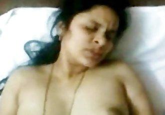 Hot INDIAN TELUGU Aunty Sudha\
