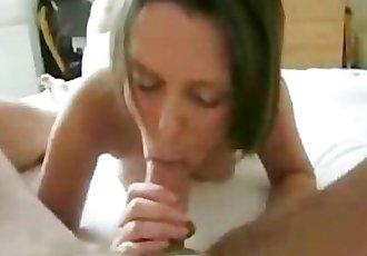 Very slutty MILF sex