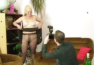 Naughty mom gets shagged after photosession